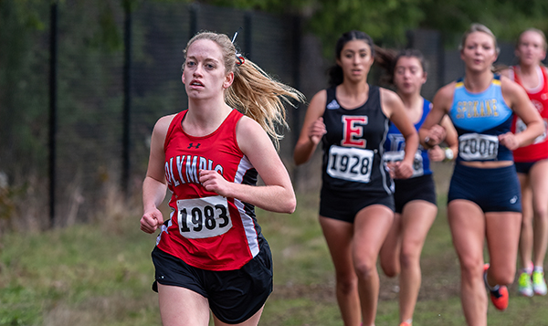 Sophomore Julia Claeys competes at the Northwest Athletic Conference Championships.